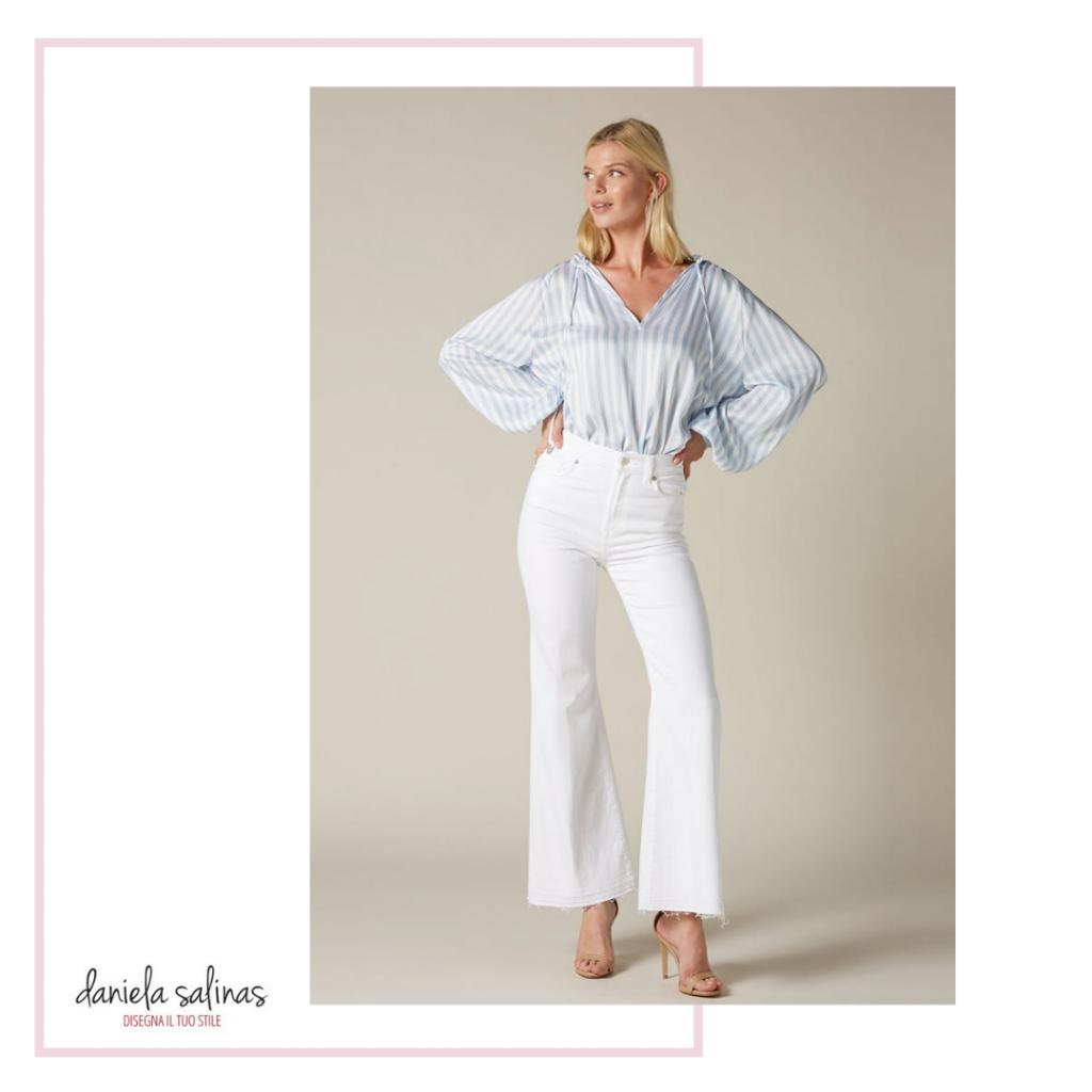 Jeans bianco per la valigia per l'estate