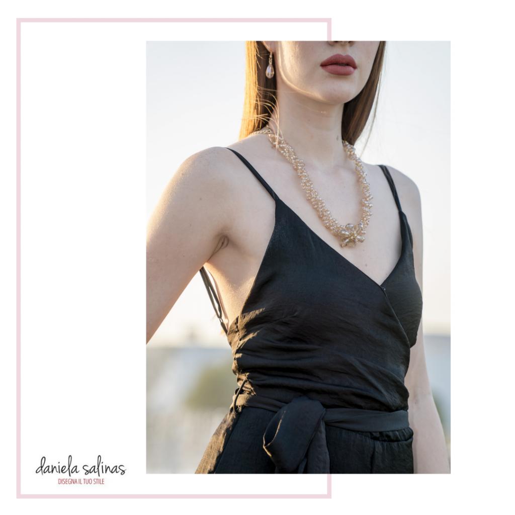 gioielli e foulard come accessori must per la forma rettangolo.